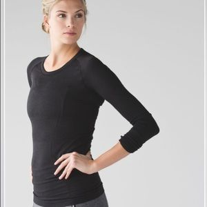 Lululemon Swiftly Tech Long Sleeve. Size 8.